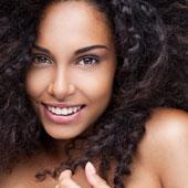 Belle femme aux cheveux crépus !